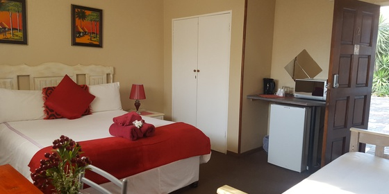 Lux Double Bed Room With Extra Single Bed, en-suite